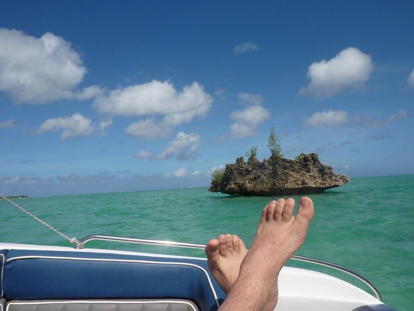 feet holiday1